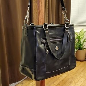 Coach Bags - COACH LAURA WOMEN'S SHOULDER BAG